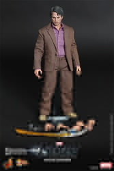 Picture of Hulk Bruce Banner Avengers Sixth Scale Hot Toy Figure