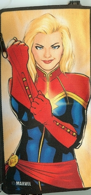 captainmarvelcanvaszipperw