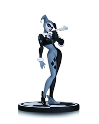 Picture of Harley Quinn Black and White Statue