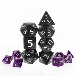 Picture of Black Giant Pearl Dice Set